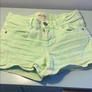 Green shorts (girls)